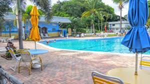 Condomínio para Locação às 2920 Cynthia Lane 2920 Cynthia Lane Lake Worth, Florida 33461 Estados Unidos