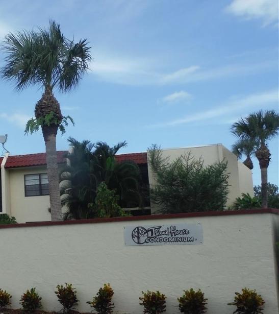 2050 Oleander Boulevard Fort Pierce, FL 34950 RX-10379510