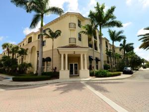共管式独立产权公寓 为 出租 在 3102 Renaissance Way 3102 Renaissance Way 博因顿海滩, 佛罗里达州 33426 美国