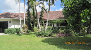 独户住宅 为 销售 在 4195 NW 7th Court 4195 NW 7th Court 德尔雷比奇海滩, 佛罗里达州 33445 美国