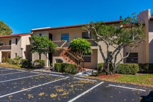共管式独立产权公寓 为 出租 在 21217 Lago Circle 21217 Lago Circle 博卡拉顿, 佛罗里达州 33433 美国