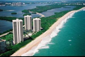 Condominium for Rent at WATER GLADES, 5510 N Ocean Drive 5510 N Ocean Drive Singer Island, Florida 33404 United States