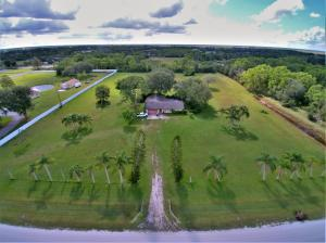 Maison unifamiliale pour l Vente à 16490 Rustic Road 16490 Rustic Road Wellington, Florida 33470 États-Unis