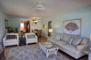 Additional photo for property listing at 755 Saturn Street 755 Saturn Street Jupiter, Florida 33477 United States