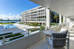 Additional photo for property listing at 2784 S Ocean Boulevard 2784 S Ocean Boulevard Palm Beach, Florida 33480 United States