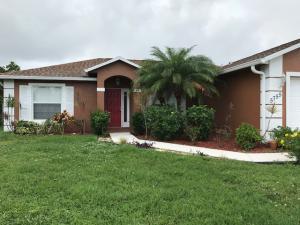 Maison unifamiliale pour l à louer à 5755 NW Belwood Circle 5755 NW Belwood Circle Port St. Lucie, Florida 34953 États-Unis