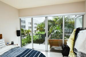 Property for sale at 2135 Washington Ct Unit: 3, Miami Beach,  FL 33139