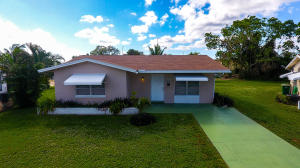 MAINLANDS OF TAMARAC LAKES SEC 5 A home 4814 NW 49th Court Tamarac FL 33319