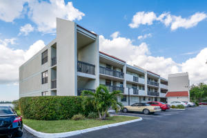 Property for sale at 112 Lake Emerald Drive Unit: 202, Oakland Park,  FL 33309