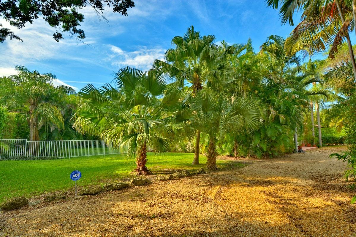 1221 Cocoanut Road Boca Raton, FL 33432 photo 4