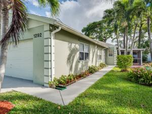 Property for sale at 1292 Slash Pine Circle, West Palm Beach,  FL 33409