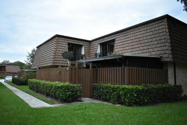 1604 16th Lane Lake Worth, FL 33463
