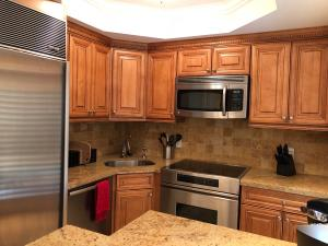 Additional photo for property listing at 251 Oleander Avenue 251 Oleander Avenue Palm Beach, Florida 33480 Estados Unidos