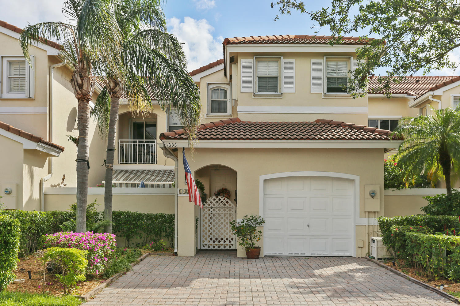 1655 Yellowheart Way Hollywood, FL 33019