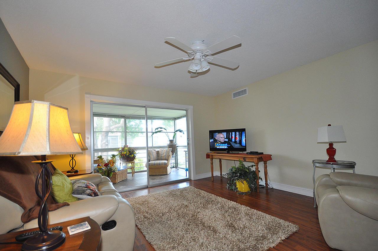 12004 Poinciana Boulevard, 206 - Royal Palm Beach, Florida