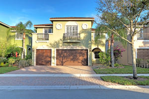 Property for sale at 10808 Lake Wynds Court, Boynton Beach,  Florida 33437