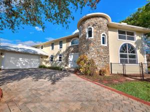 Einfamilienhaus für Verkauf beim 19810 N Riverside Drive 19810 N Riverside Drive Tequesta, Florida 33469 Vereinigte Staaten