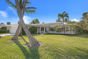 Single Family Home for Rent at Jupiter Inlet Colony, 145 Beacon Lane 145 Beacon Lane Jupiter Inlet Colony, Florida 33469 United States