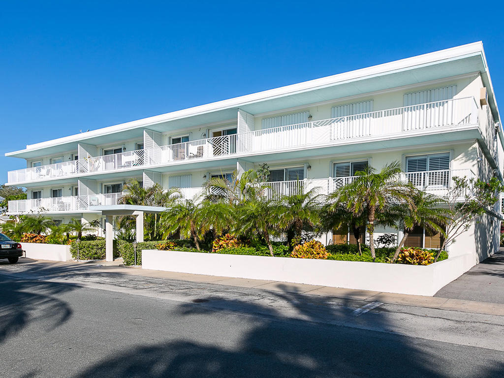 855 Dahlia Vero Beach 32963