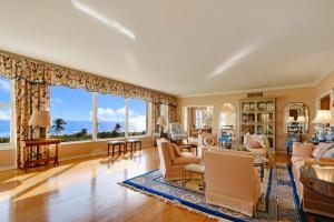 Appartement en copropriété pour l Vente à 200 N Ocean Boulevard 200 N Ocean Boulevard Delray Beach, Florida 33483 États-Unis