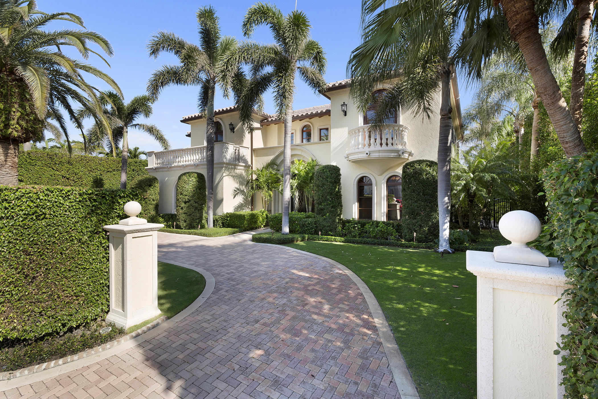 New Home for sale at 560 Island Drive in Palm Beach
