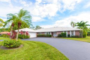 Maison unifamiliale pour l Vente à 316 Fairway Court Atlantis, Florida 33462 États-Unis