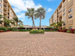 Palm Beach Harbour Club Condo