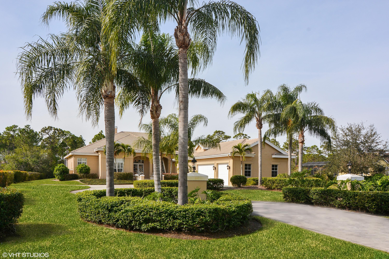 7904  Saddlebrook Drive, Port Saint Lucie, Florida