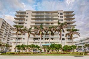 Property for sale at 704 N Ocean Boulevard Unit: 1004, Pompano Beach,  FL 33062