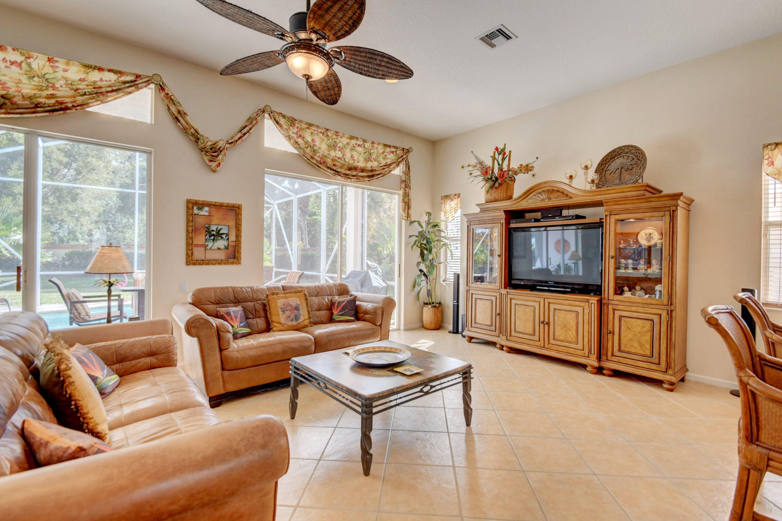 9246 Vercelli Street Lake Worth, FL 33467 photo 6