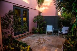 Additional photo for property listing at 226 Chilean Avenue 226 Chilean Avenue Palm Beach, Florida 33480 Estados Unidos