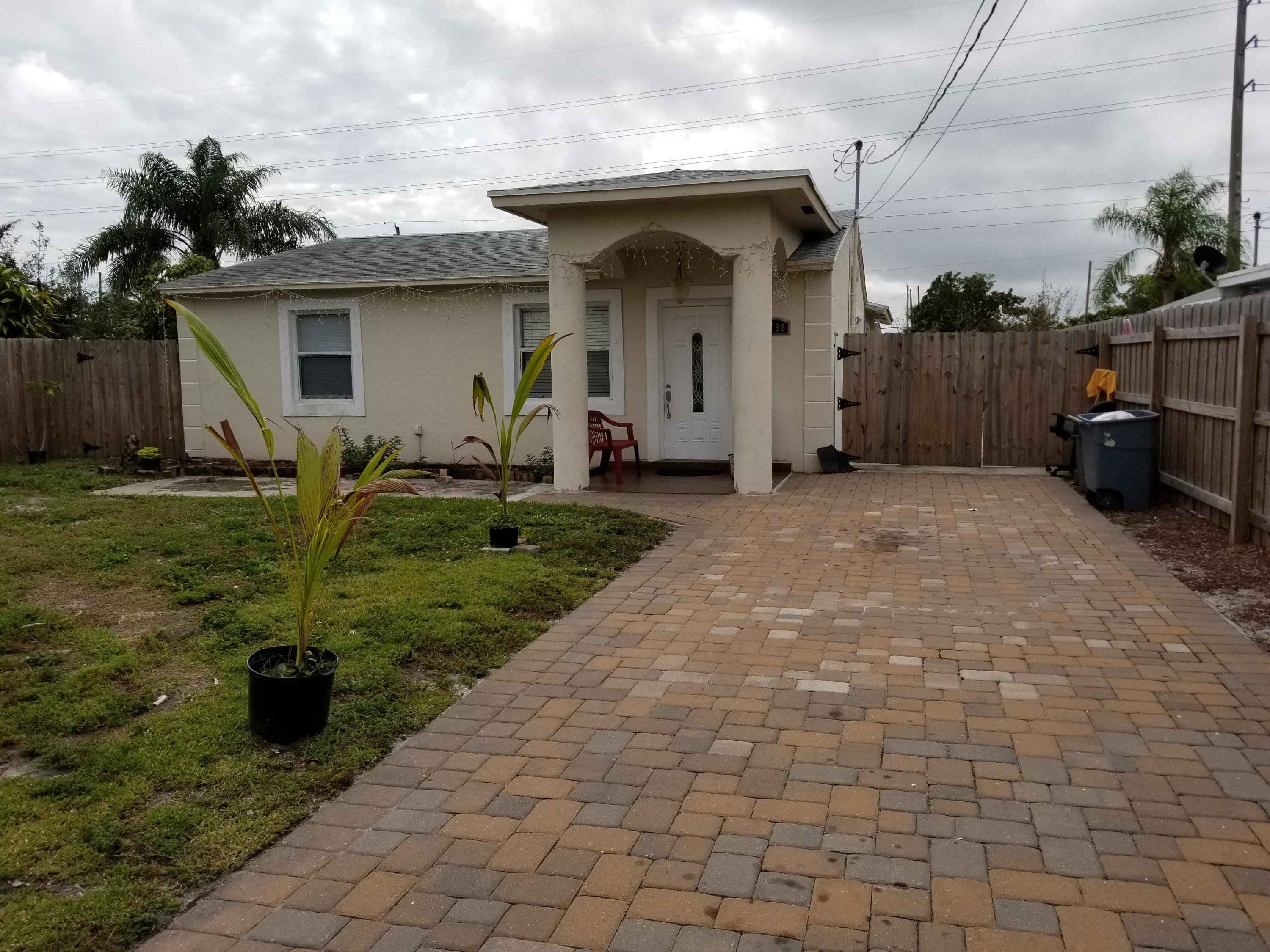 2798 Alabama Street West Palm Beach, FL 33406