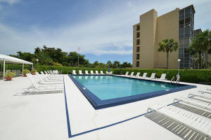 Condominio por un Alquiler en BOCA TEECA, 6161 NW 2 Avenue 6161 NW 2 Avenue Boca Raton, Florida 33487 Estados Unidos