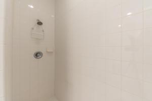 2340 WATER OAK COURT #212, VERO BEACH, FL 32962  Photo 15