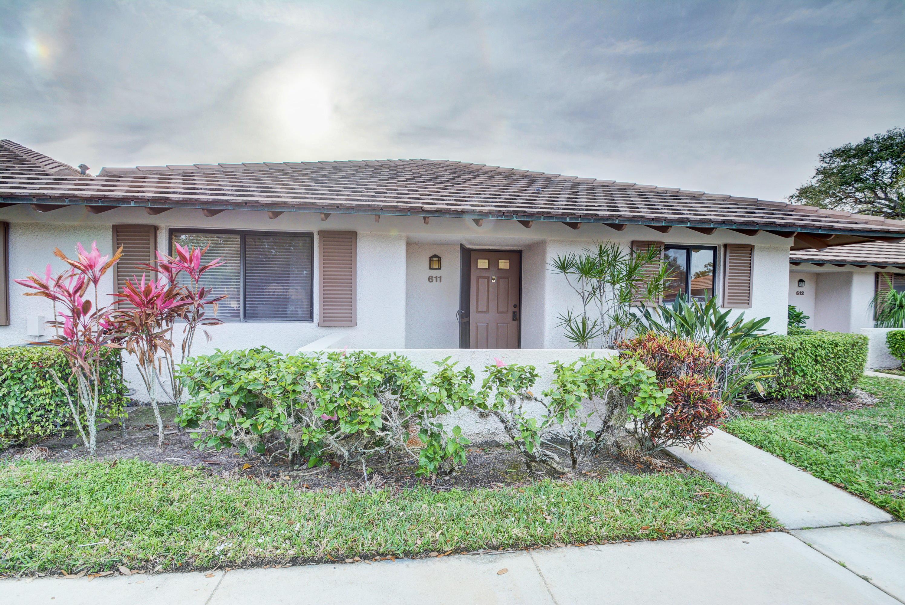 611 Club Drive, Palm Beach Gardens, Florida 33418, 2 Bedrooms Bedrooms, ,2 BathroomsBathrooms,A,Townhouse,Club,RX-10404976