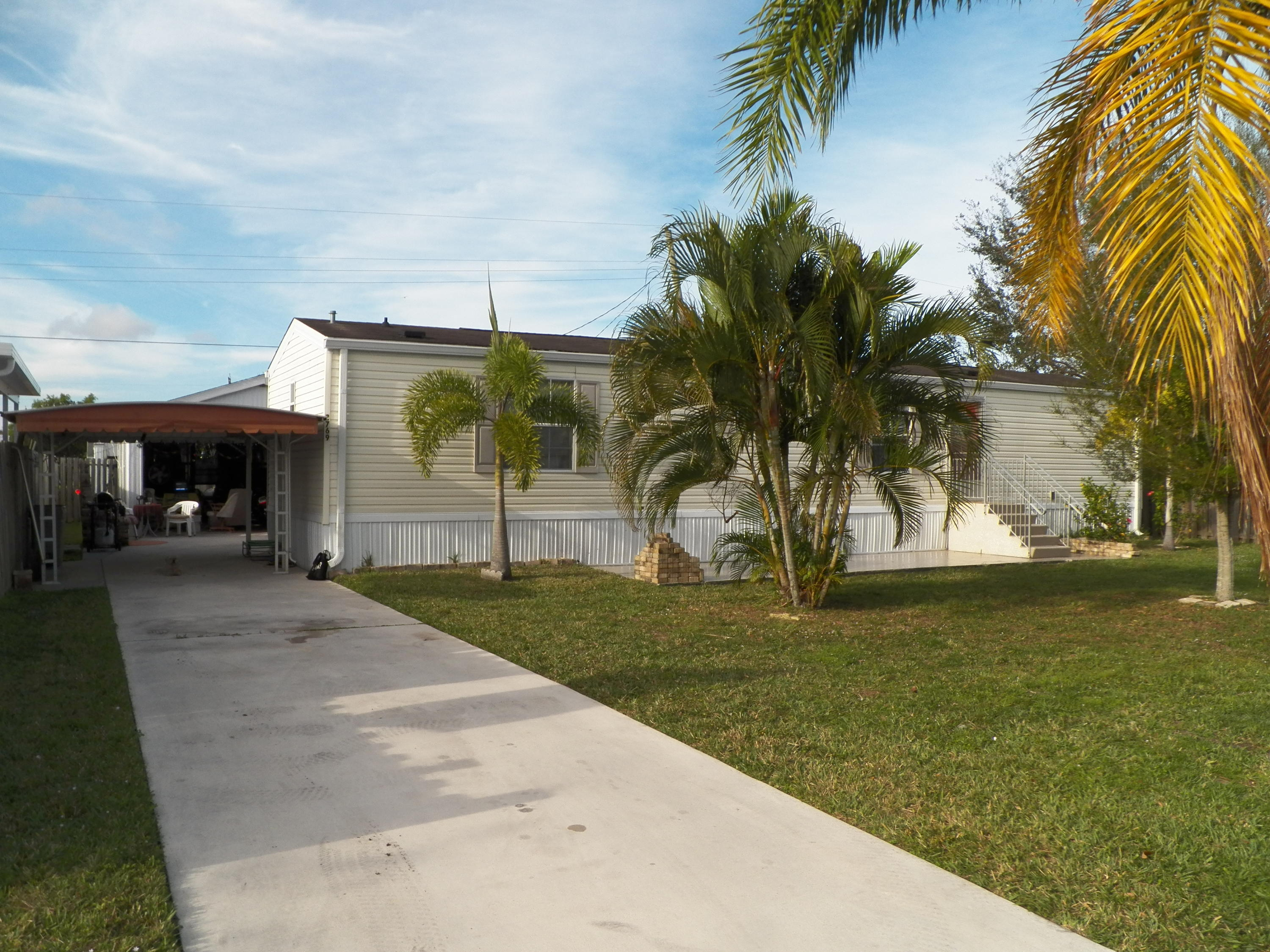Home for sale in MOBILE HOME GARDENS Stuart Florida