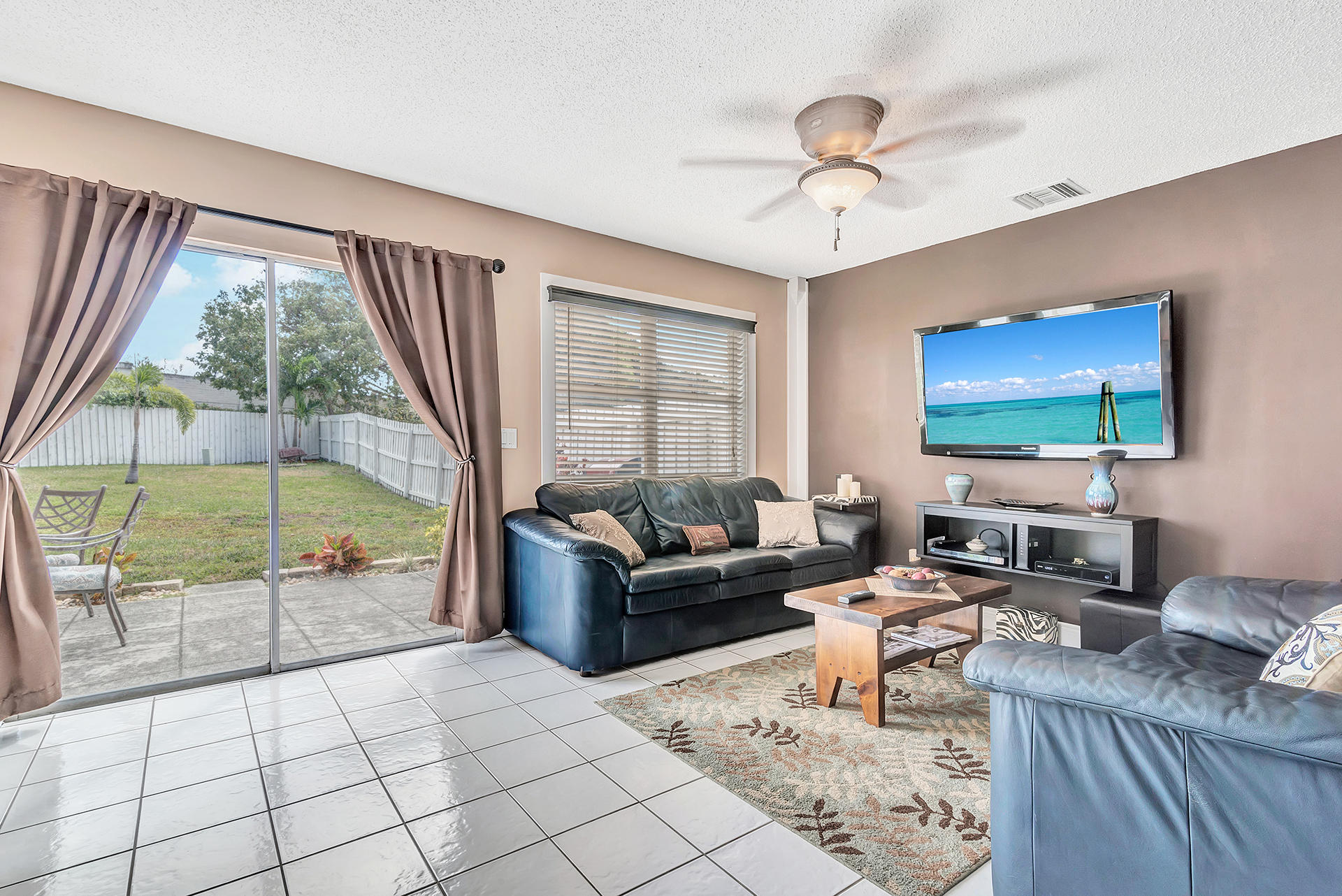 3906 Circle Lake Drive West Palm Beach, FL 33417 photo 5
