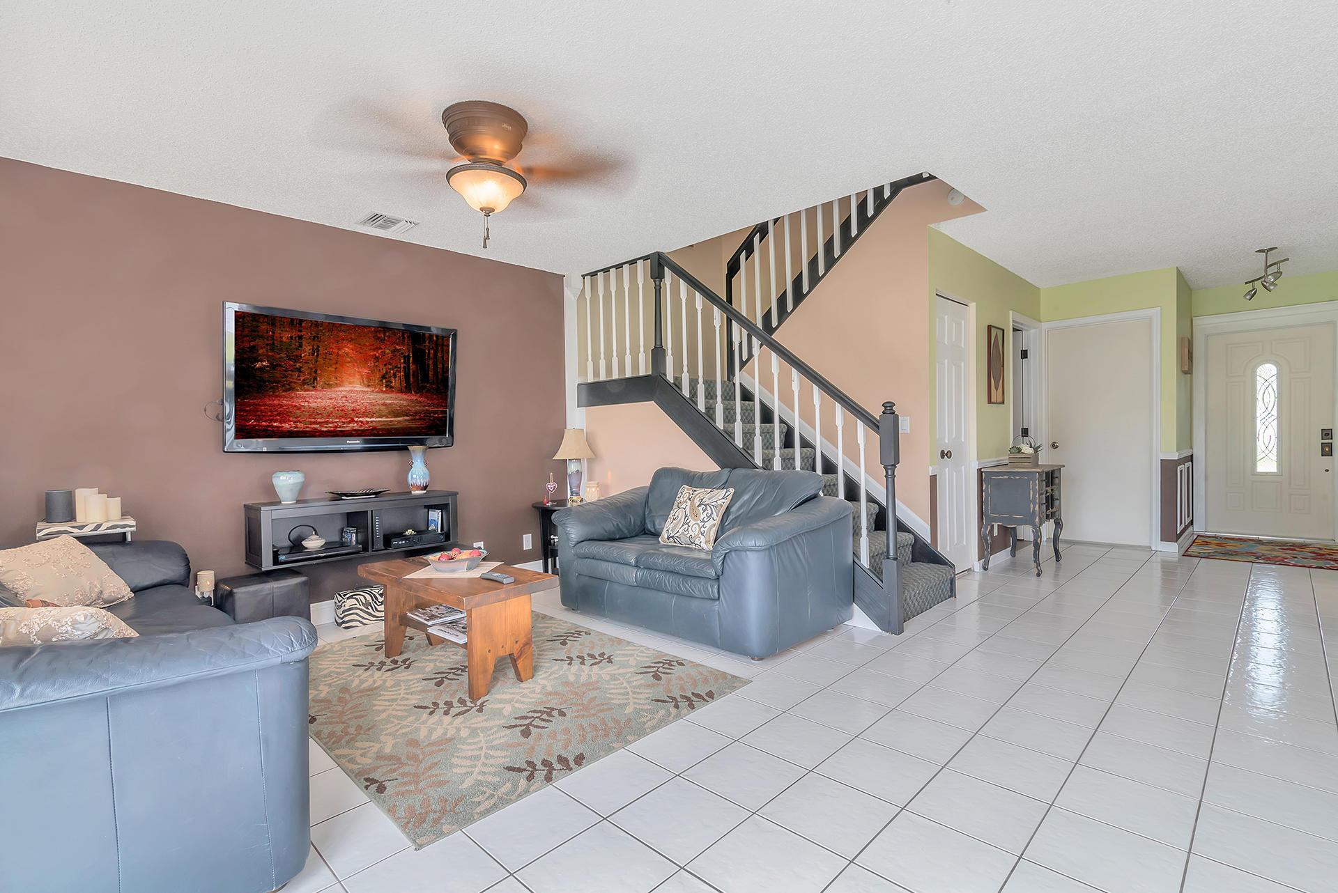 3906 Circle Lake Drive West Palm Beach, FL 33417 photo 6
