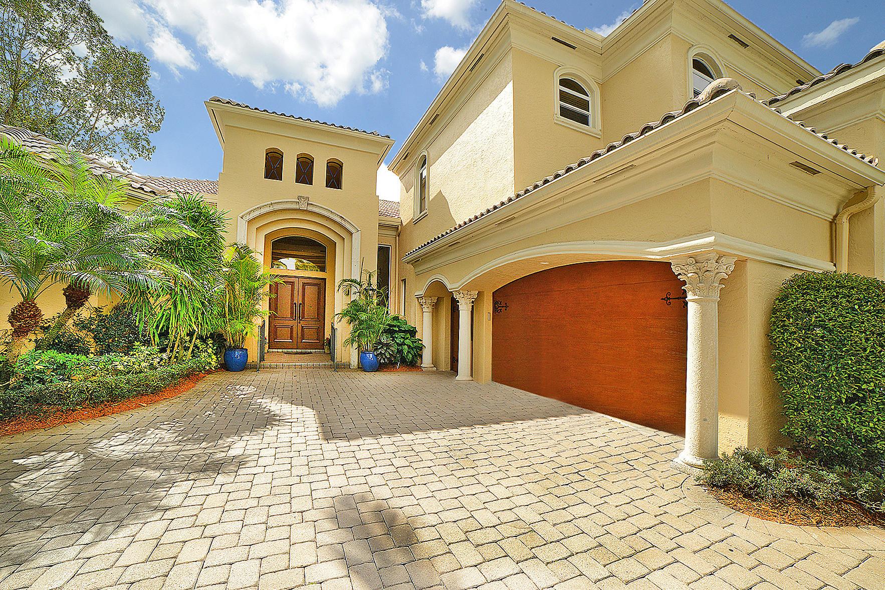 7276 Sarimento Place  Delray Beach, FL 33446