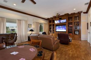Additional photo for property listing at 5516 Old Ocean Boulevard 5516 Old Ocean Boulevard Ocean Ridge, Florida 33435 United States