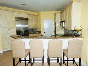 Additional photo for property listing at 817 SW Saint Julien Court 817 SW Saint Julien Court 圣露西港, 佛罗里达州 34986 美国