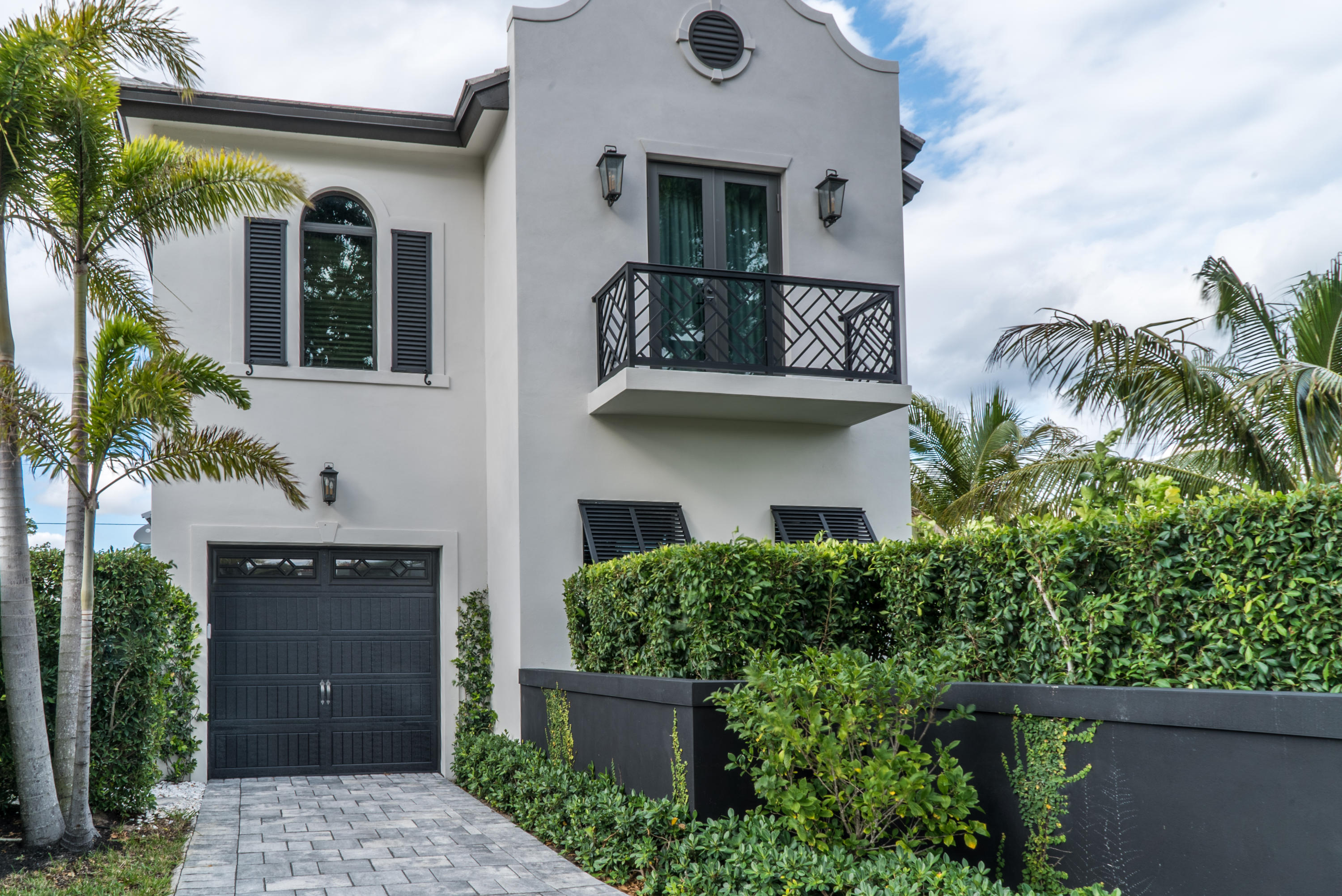 533 Westwood Road West Palm Beach, FL 33401 photo 1