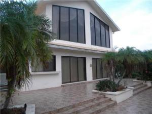 Property for sale at 3021 NE 47th Street, Lighthouse Point,  Florida 33064