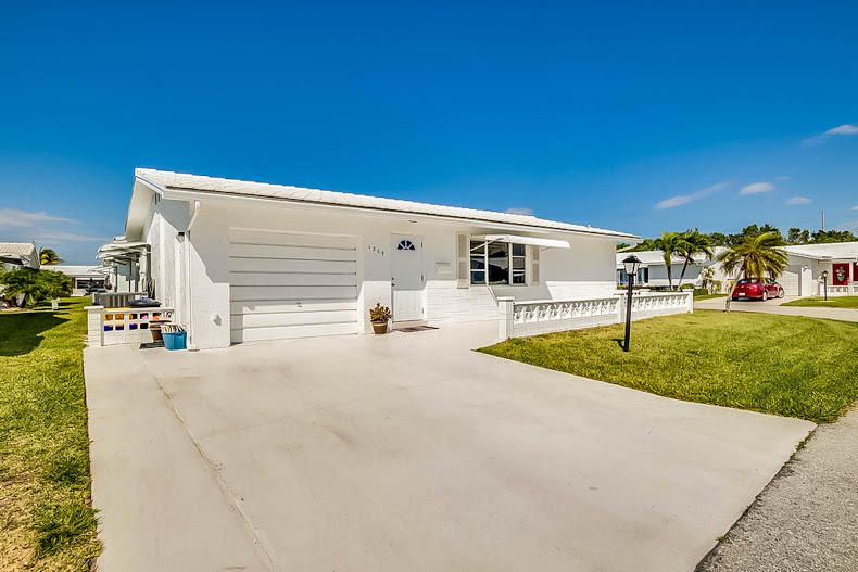 Home for sale in Boynton Leisureville Boynton Beach Florida