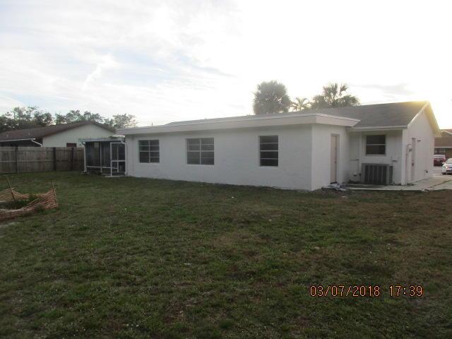5740 Adair Way Lake Worth, FL 33467 photo 2