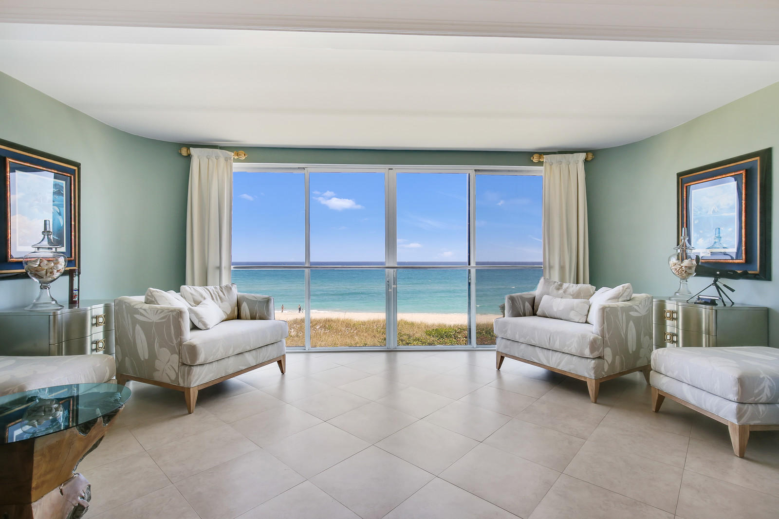 Home for sale in OCEAN PLACE-2155 CONDO Delray Beach Florida