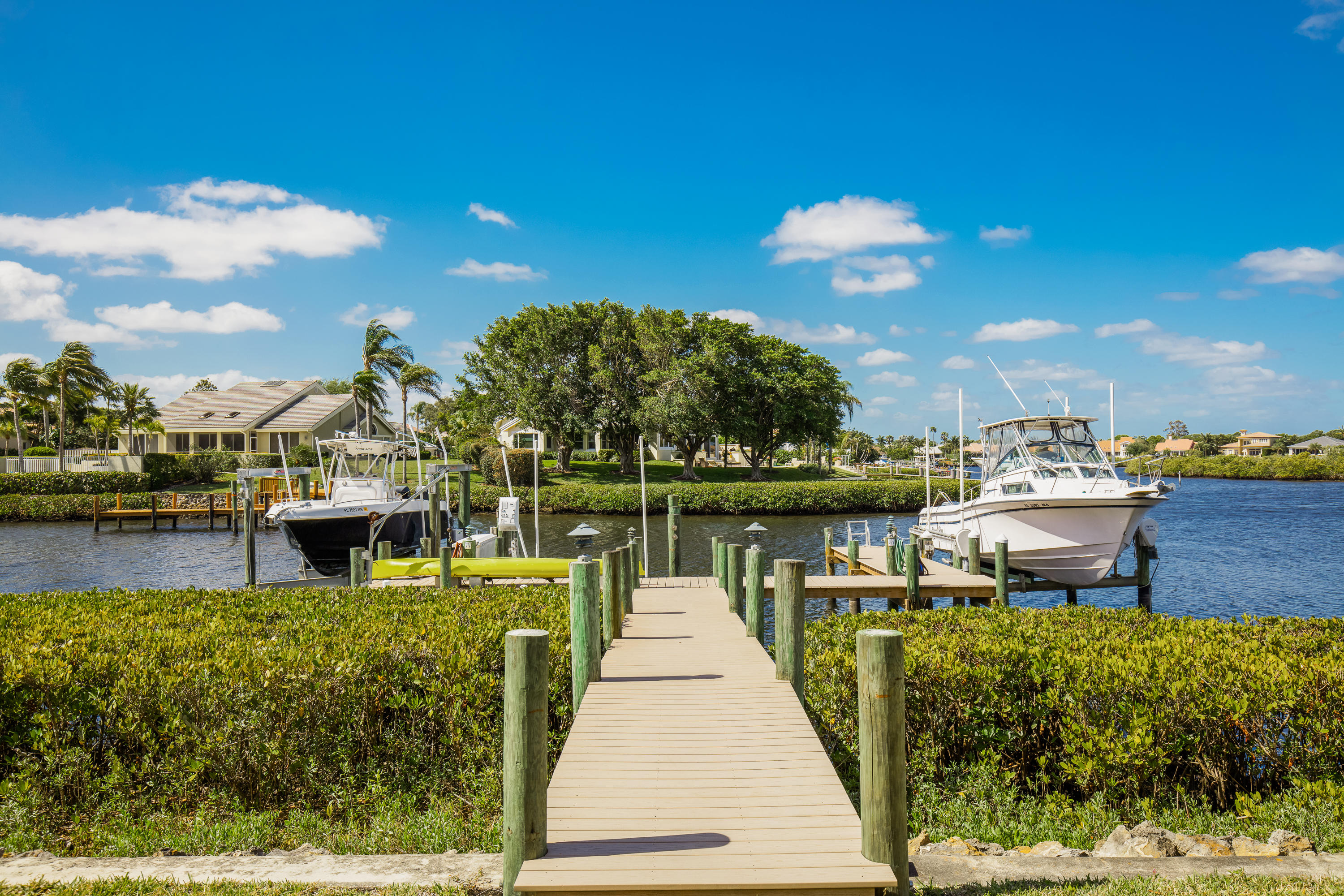 CAPTAINS WAY AT ADMIRALS COVE COND  UNIT 2102