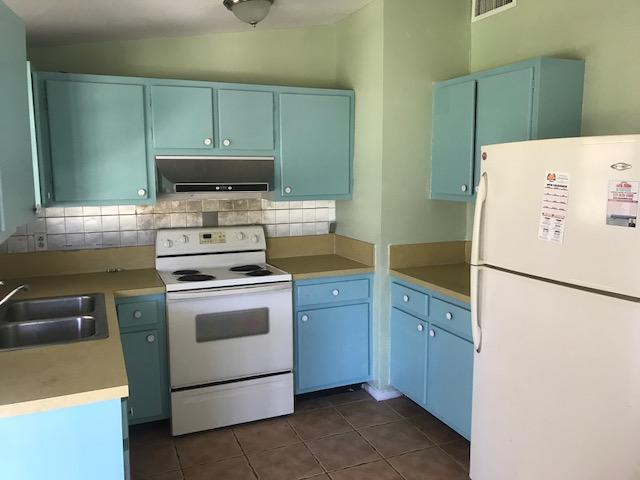 745 SE Airoso Boulevard Port Saint Lucie, FL 34983 photo 3