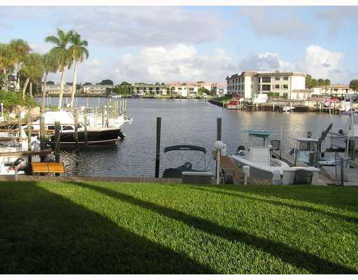 326 Northlake Drive 101, North Palm Beach, Florida 33408, 2 Bedrooms Bedrooms, ,1 BathroomBathrooms,A,Condominium,Northlake,RX-10418431