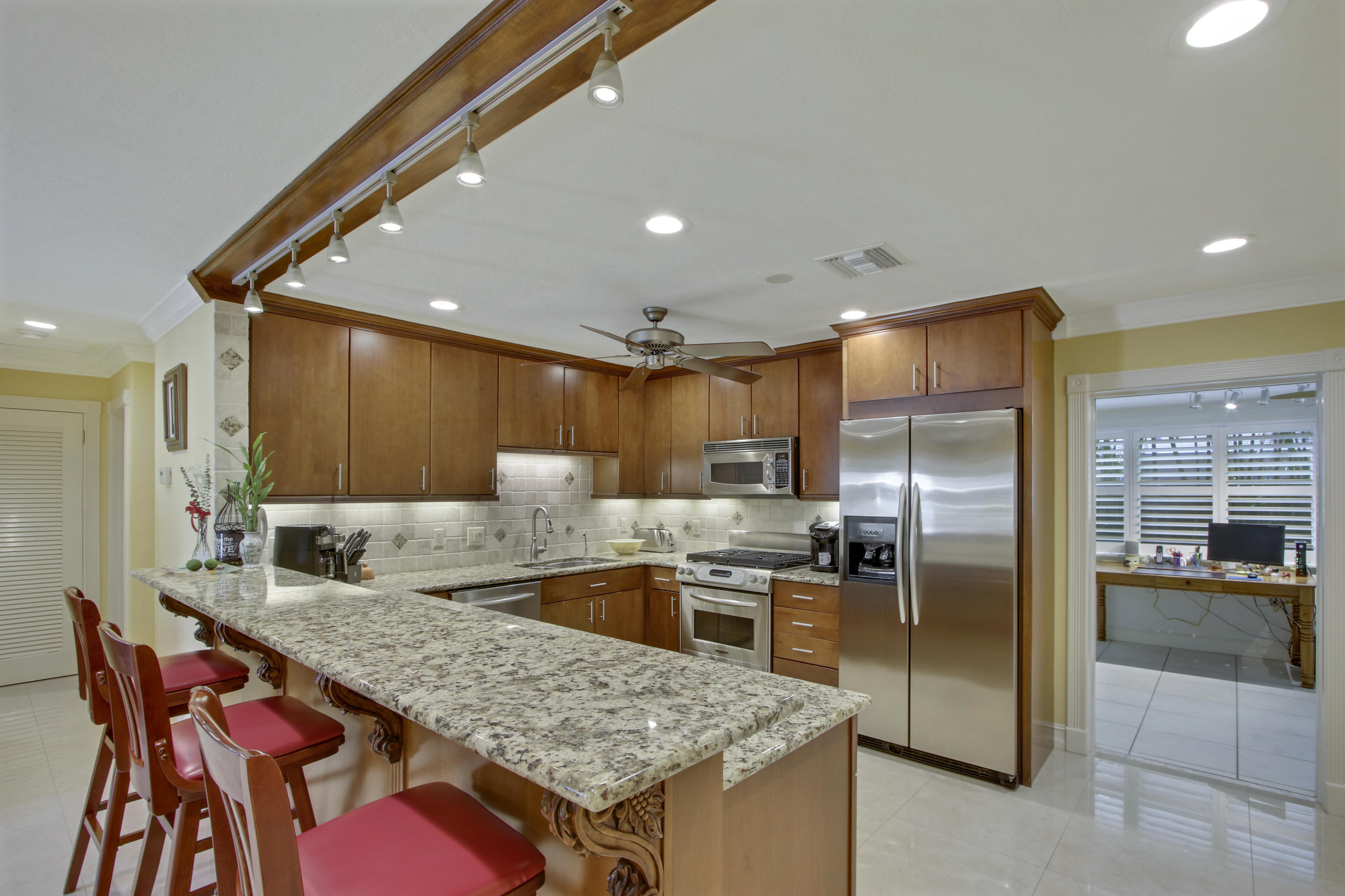 NORTH PALM BEACH REALTY